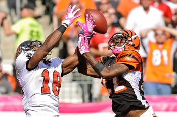 CINCINNATI, OH - OCTOBER 10: Johnathan Joseph #22 of the Cincinnati Bengals breaks up a pass intended for Sammie Stroughter #18 of the Tampa Bay Buccaneers at Paul Brown Stadium on October 10, 2010 in Cincinnati, Ohio. (Photo by Jamie Sabau/Getty Images)