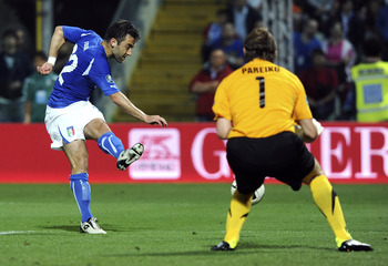 MODENA, ITALY - JUNE 03: Giuseppe Rossi of Italy scores the opening goal during the UEFA EURO 2012 Group C qualifying match between Italy and Estonia on June 3, 2011 in Modena, Italy.  (Photo by Dino Panato/Getty Images)