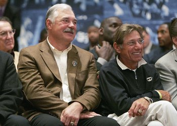 DETROIT - FEBRUARY 03:  Super Bowl MVPs Larry Csonka and Joe Namath attend the NFL Commissioner Paul Tagliabue's press conference on Feburary 3,2006 at the Renaissance Center in Detroit, Michigan .  (Photo by Andy Lyons/Getty Images)
