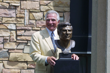 04 Aug 2001 : Nick Buoniconti poses next to his bronze bust during the 2001 Induction Ceremony at Hall's Game Day Theater in Canton, Ohio. DIGITAL IMAGE.Mandatory Credit: Tom Pidgeon/Allsport