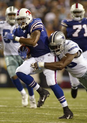 ORCHARD PARK, NY - OCTOBER 8: Robert Royal #84 of the Buffalo Bills carries the ball during the game against the Dallas Cowboys at Ralph Wilson Stadium October 8, 2007 in Orchard Park, New York. (Photo by Rick Stewart/Getty Images)