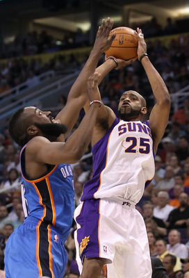 PHOENIX, AZ - MARCH 30:  Vince Carter #25 of the Phoenix Suns puts up a shot during the NBA game against the Oklahoma City Thunder at US Airways Center on March 30, 2011 in Phoenix, Arizona.  The Thunder defeated the Suns 116-98. NOTE TO USER: User expres