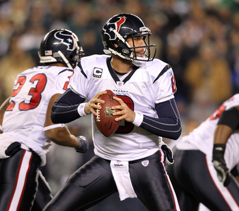 PHILADELPHIA, PA - DECEMBER 02:  Matt Schaub #8 of the Houston Texans drops back to pass against the Philadelphia Eagles at Lincoln Financial Field on December 2, 2010 in Philadelphia, Pennsylvania.  (Photo by Al Bello/Getty Images)