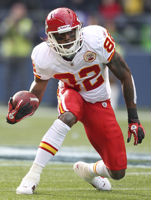 SEATTLE - NOVEMBER 28:  Wide receiver Dwayne Bowe #82 of the Kansas City Chiefs rushes against the Seattle Seahawks at Qwest Field on November 28, 2010 in Seattle, Washington. The Chiefs defeated the Seahawks 42-24. (Photo by Otto Greule Jr/Getty Images)