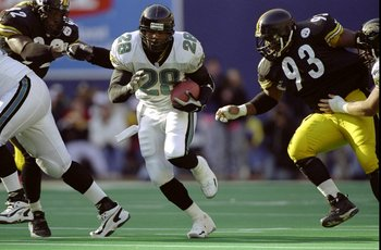 22 Nov 1998:  Running back Fred Taylor #28 of the Jacksonville Jaguars in action during the game against the Pittsburgh Steelers at the Three Rivers Stadium in Pittsburgh, Pennsylvania. The Steelers defeated the Jaguars 30-15. Mandatory Credit: Robert Lab