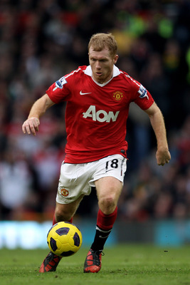 MANCHESTER, ENGLAND - FEBRUARY 12:  Paul Scholes of Manchester United in action during the Barclays Premier League match between Manchester United and Manchester City at Old Trafford on February 12, 2011 in Manchester, England.  (Photo by Alex Livesey/Get
