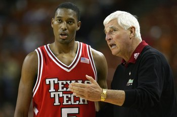AUSTIN, TX - JANUARY 26: Head coach Bob Knight of the Texas Tech Red Raiders talks with D'walyn Roberts #5 during play with the Texas Longhorns on January 26, 2008 at the Frank Erwin Center in Austin, Texas (Photo by Ronald Martinez/Getty Images)