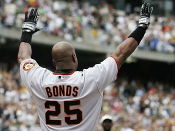 OAKLAND, CA - MAY 20:  Barry Bonds #25 of San Francisco Giants celebrates after hitting his 714th career home run, tying Babe Ruth for second place on the all time home run list, during the second inning of the game against the Oakland Athletics on May 20