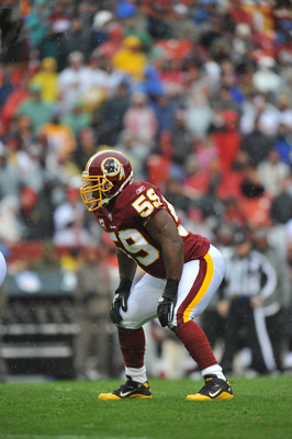 LANDOVER, MD - DECEMBER 12:  London Fletcher #59 of the Washington Redskins defends against the Tampa Bay Buccaneers  at FedExField on December 12, 2010 in Landover, Maryland. The Buccaneers defeated the Redskins 17-16. (Photo by Larry French/Getty Images