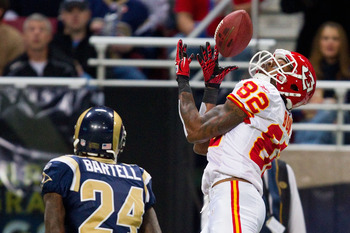 ST. LOUIS, MO - DECEMBER 19: Dwayne Bowe #82 of the Kansas City Chiefs hauls in a pass against Ronald Bartell #24 of the St. Louis Rams at the Edward Jones Dome on December 19, 2010 in St. Louis, Missouri.  The Chiefs beat the Rams 27-13.  (Photo by Dilip