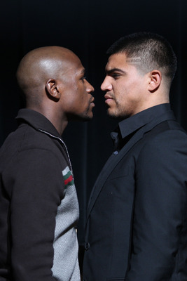 NEW YORK, NY - JUNE 28:  Floyd Mayweather and Victor Ortiz face off at a press conferece about their upcoming fight on June 28, 2011 at the Hudson Theatre in New York City.  (Photo by Daniel Barry/Getty Images)