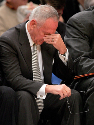 NEW YORK - DECEMBER 14:  New York Knicks head coach, Larry Brown, pauses during the first half of the game against the Orlando Magic on December 14, 2005 at Madison Square Garden in New York City.  NOTE TO USER:  User expressly acknowledges and agrees tha