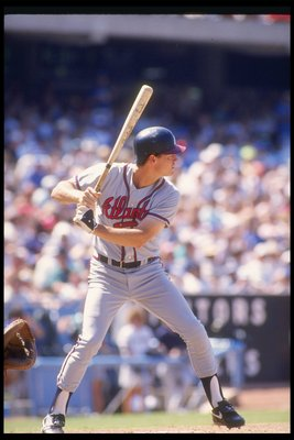 1989:  Outfielder Dale Murphy of the Atlanta Braves takes his turn at bat. Mandatory Credit: Scott Halleran  /Allsport