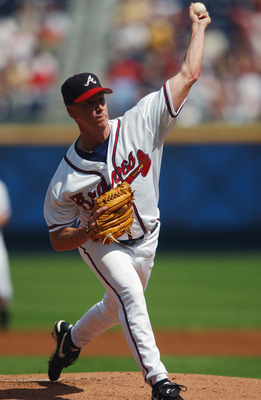 ATLANTA - OCTOBER 2 :  Starting pitcher Tom Glavine #47 of the Atlanta Braves delivers the pitch during game one of the National League Division Series against the San Francisco Giants at Turner Field in Atlanta, Georgia on October 2, 2002.  The Giants de
