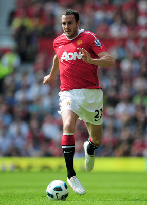 MANCHESTER, ENGLAND - APRIL 23: John O'Shea of Manchester United in action during the Barclays Premier League match between Manchester United and Everton at Old Trafford on April 23, 2011 in Manchester, England.  (Photo by Shaun Botterill/Getty Images)