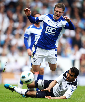 LONDON, ENGLAND - MAY 22:  Craig Gardner of Birmingham City is challenged by Sandro of Tottenham Hotspur during the Barclays Premier League match between Tottenham Hotspur and Birmingham City at White Hart Lane on May 22, 2011 in London, England.  (Photo
