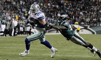 PHILADELPHIA, PA - JANUARY 02:  Jason Witten #82 of the Dallas Cowboys runs in a touchdown late in the fourth quarter against Keenan Clayton #57 of the Philadelphia Eagles on January 2, 2011 at Lincoln Financial Field in Philadelphia, Pennsylvania. The Co