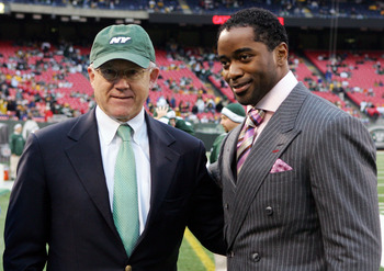 EAST RUTHERFORD, NJ - NOVEMBER 18: Owner Woody Johnson of the New York Jets poses with former player Curtis Martin before the Jets play the Pittsburgh Steelers on November 18, 2007 at Giants Stadium in East Rutherford, New Jersey.  (Photo by Jim McIsaac/G