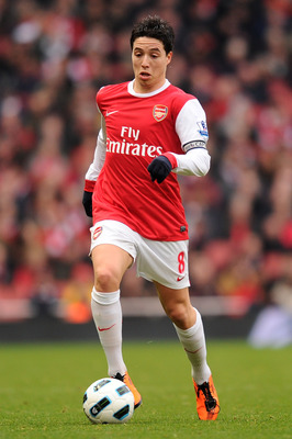 LONDON, ENGLAND - MARCH 05:  Samir Nasri of Arsenal runs with the ball during the Barclays Premier League match between Arsenal and Sunderland at Emirates Stadium on March 5, 2011 in London, England.  (Photo by Mike Hewitt/Getty Images)