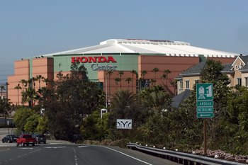 ANAHEIM, CA - APRIL 19:  A general view of the outside of the Honda Center before game five of the 2007 Western Conference Quarterfinals between the Anaheim Ducks and the Minnesota Wild on April 19, 2007 in Anaheim, California.   (Photo by Jeff Golden/Get