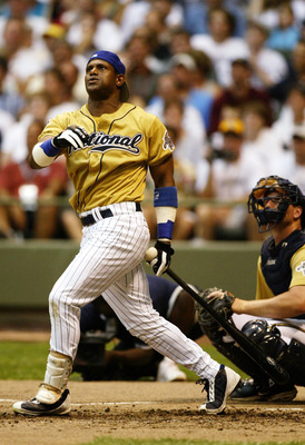 MILWAUKEE, WI - JULY 8:  Sammy Sosa of the Chicago Cubs competes in the MLB All Star Home Derby on July 8, 2002 at Miller Field in Milwaukee, Wisconsin.  (Photo By Andy Lyons/Getty Images)