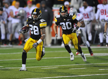 IOWA CITY, IA - NOVEMBER 20:  Defensive back Shaun Prater #28 of the University of Iowa Hawkeyes returns a pass interception against the Ohio State Buckeyes during the second half of play at Kinnick Stadium on November 20, 2010 in Iowa City, Iowa. Ohio St