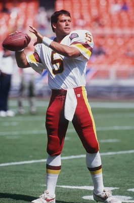 4 SEP 1994:  WASHINGTON QUARTERBACK HEATH SHULER DELIVERS A PASS FROM THE POCKET DURING THE REDSKINS 28-7 LOSS TO THE SEATTLE SEAHAWKS AT RFK STADIUM IN WASHINGTON, D.C.  Mandatory Credit: Doug Pensinger/ALLSPORT