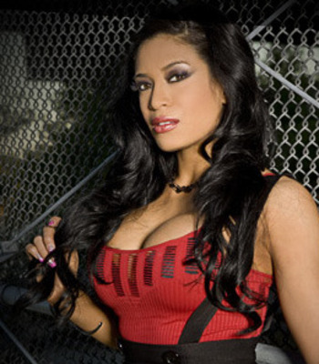 Wwe-diva-melina-4_display_image