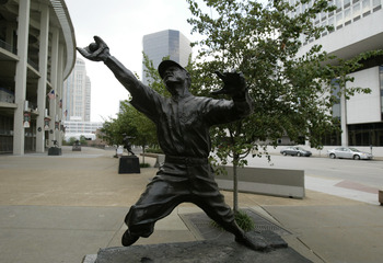 ST LOUIS - JULY 18:  Statue of George Harold Sisler of the St. Louis Cardinals is outside of Busch Stadium on July 18, 2004 in St. Louis, Missouri. (Photo by Dilip Vishwanat/Getty Images)
