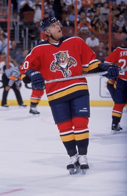 4 Oct 2001:  Pavel Bure #10 of the Florida Panthers skates into position during the game against the Philadelphia Flyers at First Union Center in Philadelphia, Pennsylvania. The Flyers defeated the Panthers 5-2.Mandatory Credit: Diane Soblewski  /Allsport