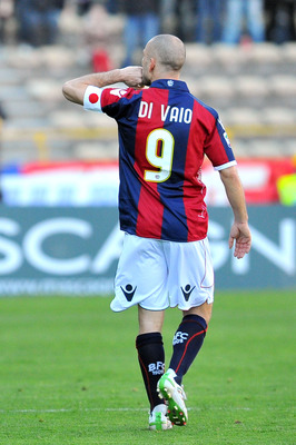 BOLOGNA, ITALY - MARCH 20:   Marco Di Vaio captain of Bologna celebrates scoring a goal during the Serie A match between Bologna FC and Genoa CFC at Stadio Renato Dall'Ara on March 20, 2011 in Bologna, Italy.  (Photo by Roberto Serra/Getty Images)