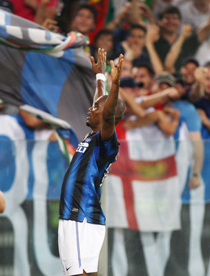 ROME, ITALY - MAY 29:  Samuel Eto'o of FC Internazionale Milano celebrates after scoring the second goal during the Tim Cup final between FC Internazionale Milano and US Citta di Palermo at Olimpico Stadium on May 29, 2011 in Rome, Italy.  (Photo by Paolo