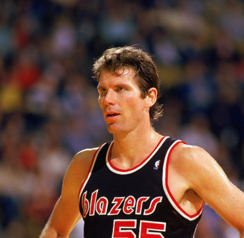1987:  Kiki Vandeweghe #55 of the Portland Trail Blazers rests during the 1987-1988 NBA season game.  (Photo by Stephen Dunn/Getty Images)