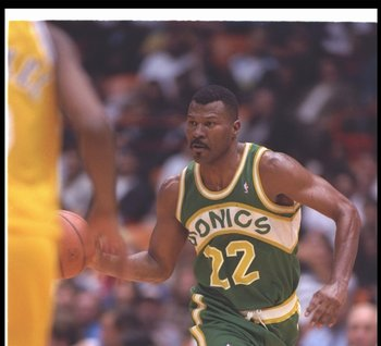 20 Apr 1994:  Guard Ricky Pierce of the Seattle SuperSonics moves the ball during a game against the Los Angeles Lakers at the Great Western Forum in Inglewood, California. Mandatory Credit: J.D. Cuban  /Allsport Mandatory Credit: J.D. Cuban  /Allsport
