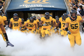 BERKELEY, CA - NOVEMBER 13:  Tthe California Golden Bears enter the stadium for their game against the Oregon Ducks at California Memorial Stadium on November 13, 2010 in Berkeley, California.  (Photo by Ezra Shaw/Getty Images)