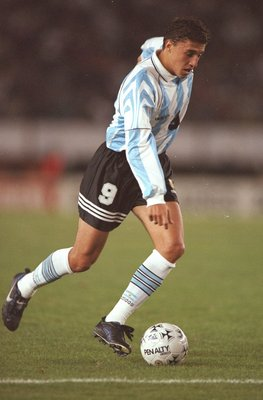 8 Jun 1997:  Hernan Crespo of Argentina in action during the World Cup Qualifier against Peru at the River Plate Stadium in Buenos Aires, Argentina. Argentina won the match 2-0. \ Mandatory Credit: Stu Forster /Allsport