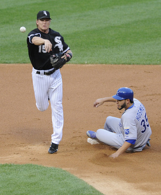 CHICAGO, IL - JULY 05: Gordon Beckham #15 of the Chicago White Sox forces Eric Hosmer #35 of the Kansas City Royals on July 5, 2011 at U.S. Cellular Field in Chicago, Illinois.  (Photo by David Banks/Getty Images)