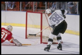 1988-1989:  Center Wayne Gretzky of the Los Angeles Kings (right). Mandatory Credit: Mike Powell  /Allsport