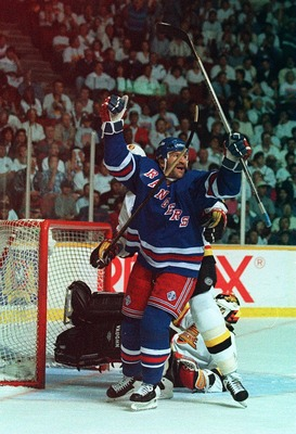 4 Jun 1994: NEW YORK RANGER''S GLENN ANDERSON CELEBRATES AFTER SCORING AGAINST CANUCKS GOALTENDER KIRK MCLEAN DURING THE FIRST PERIOD OF GAME THREE OF THE STANLEY CUP FINALS IN VANCOUVER, BRITISH COLUMBIA.