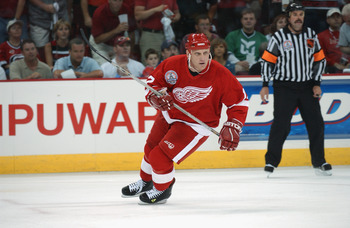 RALEIGH, NC - JUNE 8:  Right wing Brett Hull #17 of the Detroit Red Wings skates on the ice during game three of the NHL Stanley Cup Finals against the Carolina Hurricanes on June 8, 2002 at the Entertainment Sports Arena in Raleigh, North Carolina.  The