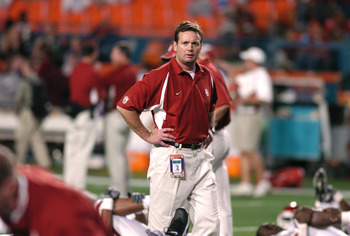 Oklahoma head coach Bob Stoops before the start of the FedEx Orange Bowl National Championship at Pro Player Stadium in Miami, Florida on January 4, 2005. (Photo by A. Messerschmidt/Getty Images)