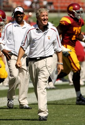 LOS ANGELES, CA - SEPTEMBER 05:  Head coach Pete Carroll of the USC Trojans reacts during the game against the San Jose State Spartans on September 5, 2009 at the Los Angeles Coliseum in Los Angeles, California.  (Photo by Stephen Dunn/Getty Images)