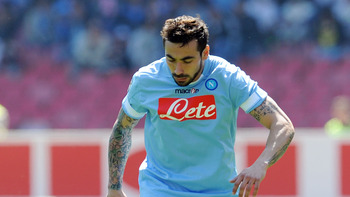 NAPLES, ITALY - APRIL 03:  Ezequiel Lavezzi of Napoli in action during the Serie A match between SSC Napoli and SS Lazio at Stadio San Paolo on April 3, 2011 in Naples, Italy.  (Photo by Giuseppe Bellini/Getty Images)