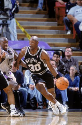 25 Jan 2001:   Terry Porter #30 of the San Antonio Spurs dribbles the ball to the basket during the game against the Sacramento Kings at the ARCO Arena in Sacramento, California.  The Spurs defeated the Kings 97-91.    NOTE TO USER: It is expressly unders