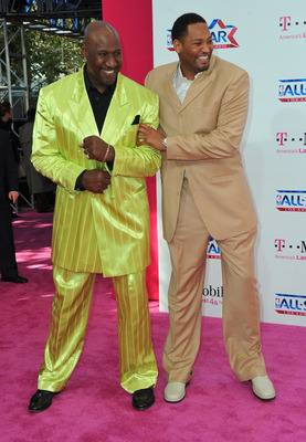 LOS ANGELES, CA - FEBRUARY 20:  Former NBA players Darryl Dawkins and Robert Horry arrive to the T-Mobile Magenta Carpet at the 2011 NBA All-Star Game on February 20, 2011 in Los Angeles, California.  (Photo by Alberto E. Rodriguez/Getty Images)