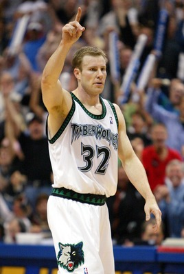 MINNEAPOLIS - MAY 29:   Fred Hoiberg #32 of the Minnesota Timberwolves celebrates in Game Five of the Western Conference Finals against the Los Angeles Lakers during the 2004 NBA Playoffs on May 29, 2004 at Target Center in Minneapolis, Minnesota.  NOTE T