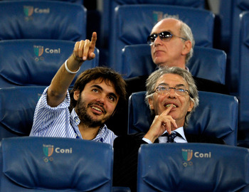 ROME, ITALY - MAY 29: FC Internazionale Milano President Massimo Moratti and Giovanni Moratti (L) during the Tim Cup final between FC Internazionale Milano and US Citta di Palermo at Olimpico Stadium on May 29, 2011 in Rome, Italy. (Photo by Claudio Villa