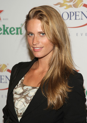 NEW YORK - AUGUST 28:  Model Julie Henderson attends the U.S. Open Player Party presented by Heineken at Skyline Studios on August 28, 2009 in New York City.  (Photo by Stephen Lovekin/Getty Images for USTA)
