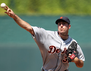KANSAS CITY, MO - JULY 10:  Starting pitcher Justin Verlander #35 of the Detroit Tigers warms-up between innings during the game against the Kansas City Royals on July 10, 2011 at Kauffman Stadium in Kansas City, Missouri.  (Photo by Jamie Squire/Getty Im