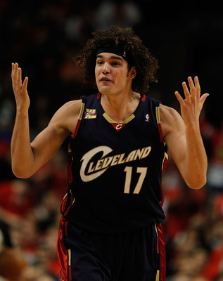 CHICAGO - APRIL 22: Anderson Varejao #17 of the Cleveland Cavaliers complains about a foul called against him in Game Three of the Eastern Conference Quarterfinals during the 2010 NBA Playoffs against the Chicago Bulls at the United Center on April 22, 20